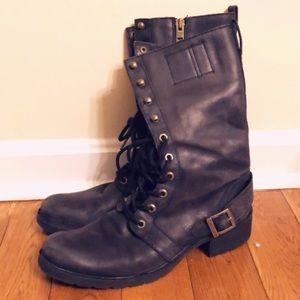 Timberlands women combat boots 👢